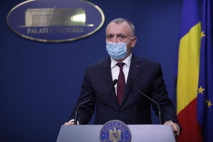 Ministrul Educației a anunțat care vor fi angajații din învățământ ce vor avea prioritate la vaccinul anti-COVID