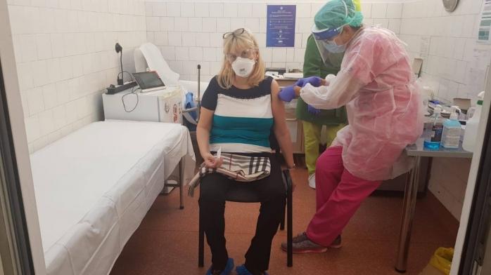 Rectorul UMF s-a vaccinat împotriva COVID-19