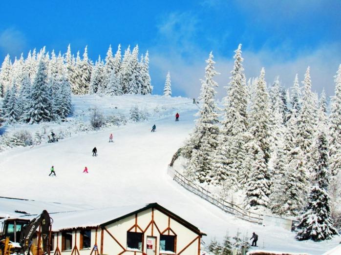 Imagini spectaculoase din Băișoara! Zăpada s-a așternut peste toată zona. GALERIE FOTO