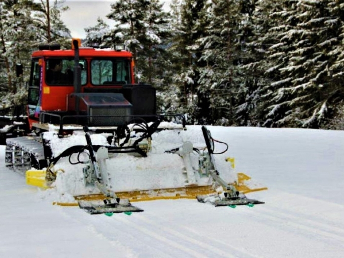 O pârtie de schi din țară, închisă din cauza hoților! Au furat piese din mașina care nivela zăpada