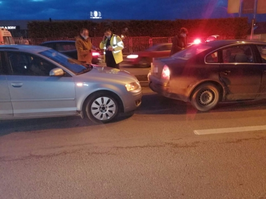 Un șofer beat a provocat un accident pe Calea Turzii