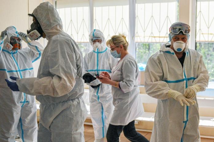 """Epidemiolog: """"60% din cazurile COVID-19 vor fi cu noua tulpină. E importantă secvențierea și la Cluj-Napoca"""""""