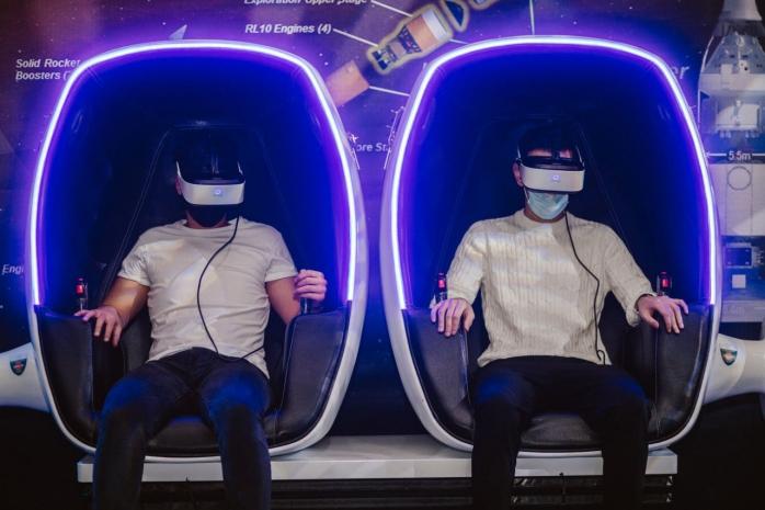 Expoziție interactivă creată a NASA, la Cluj. Simulatoare de zbor, giroscop și experiențe Virtual Reality