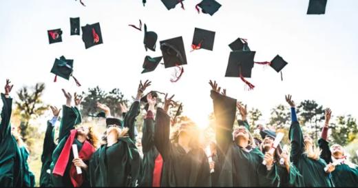 """Festivitățile de absolvire, online și în 2021? Profesor UBB: """"Mă îndoiesc că se vor ține. E cam la limită"""""""