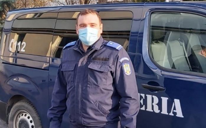 Jandarm clujean salvează de la bătaie o gravidă! Sursă foto: Facebook Jandarmeria Cluj