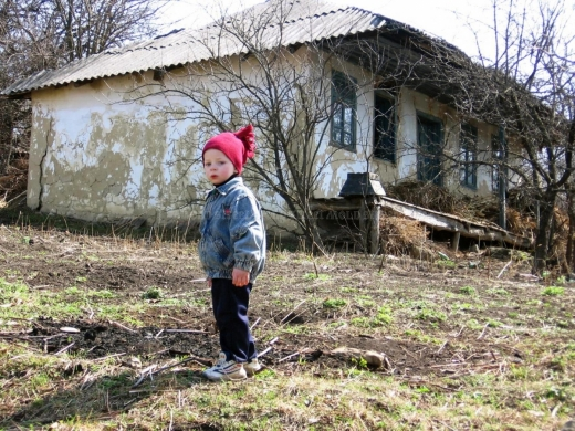 """55.000 de copii din România trăiesc cu DOAR 200 de lei pe lună. Sociolog: """"Aceste cifre sunt doar o statistică, nu și realitatea"""""""