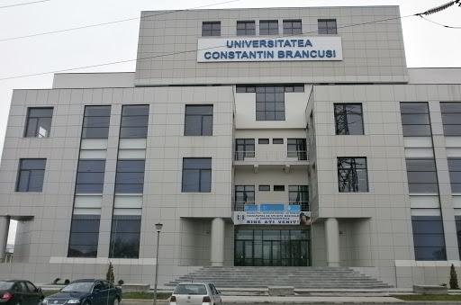 Moașele de la Universitatea din Târgu-Jiu au făcut cursuri cu ofițeri SRI și cu Andrei Marga