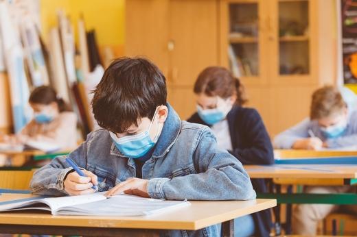 Anunț de ULTIMĂ ORĂ pentru toți elevii! Când se decide redeschiderea școlilor în România