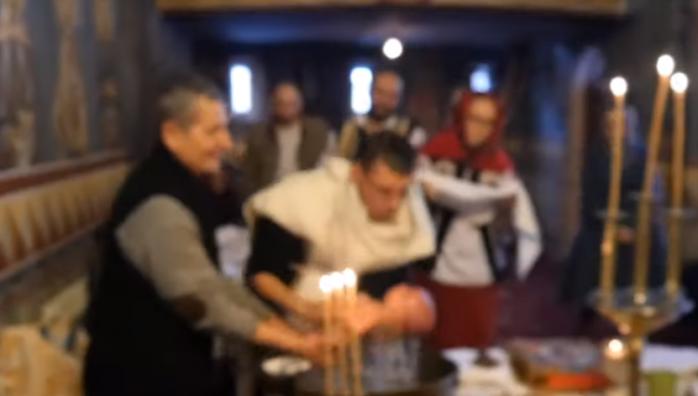VIDEO. Primele imagini de la botezul bebelușului din Suceava