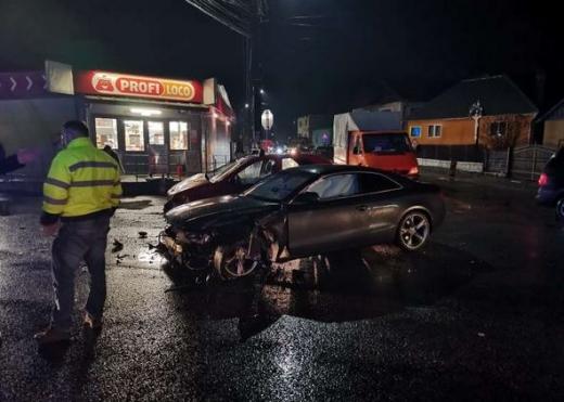 Accident în lanț, produs de un clujean de 73 ani! Mașini distruse și 800 litri de carburant, scurși pe carosabil