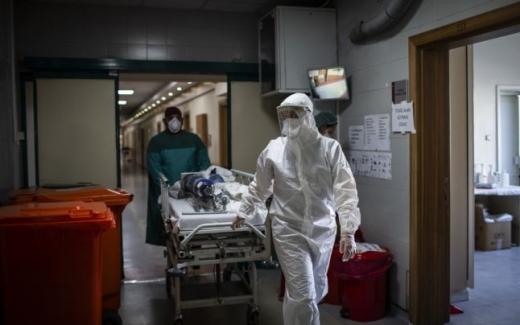 3.048 cazuri noi de COVID-19, depistate de ieri până azi! 45 de bărbați și 34 de femei au murit, bolnavi de COVID