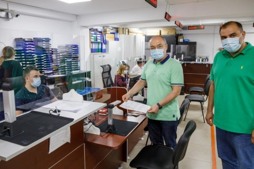 """Tot mai mulți clujeni își plătesc taxele online. Boc: """"E o schimbare în bine adusă de pandemie"""""""