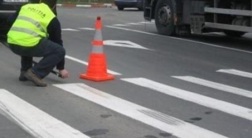 Accident GRAV. Copil de 3 ani, lovit de mașină în timp ce traversa strada în Cluj. Șoferul era băut