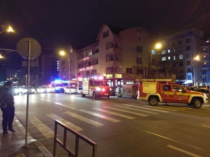 Accident spectaculos în Cluj! O mașină s-a RĂSTURNAT pe Dorobanților. GALERIE FOTO