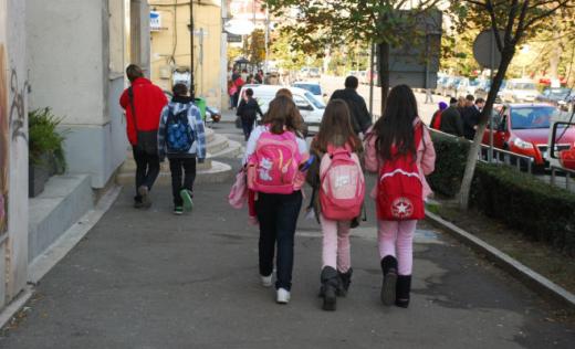 Structura anului școlar 2021-2022, publicată în Monitorul Oficial. Vacanța de iarnă va fi mai lungă