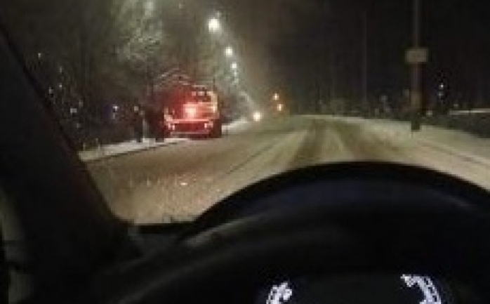 Un clujean a derapat și a ajuns cu mașina pe malul Someșului