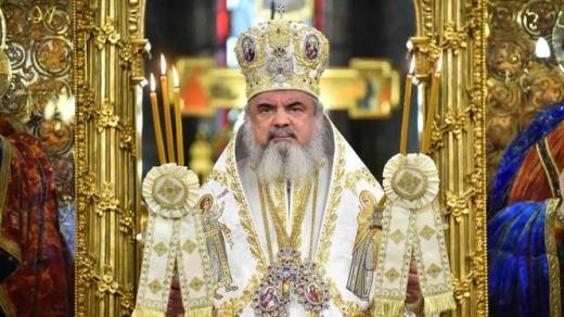 Cât câștigă Patriarhul Daniel, șeful Bisericii Ortodoxe Române? Salariul se apropie de cel al lui Klaus Iohannis