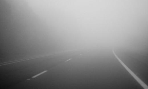 Vremea la Cluj. Șoferii trebuie să fie atenția la ceață
