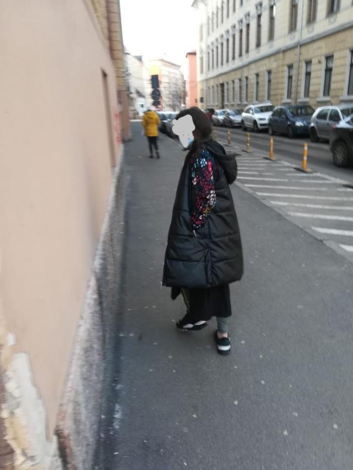 O hoață a încercat să fure din geanta unei clujence