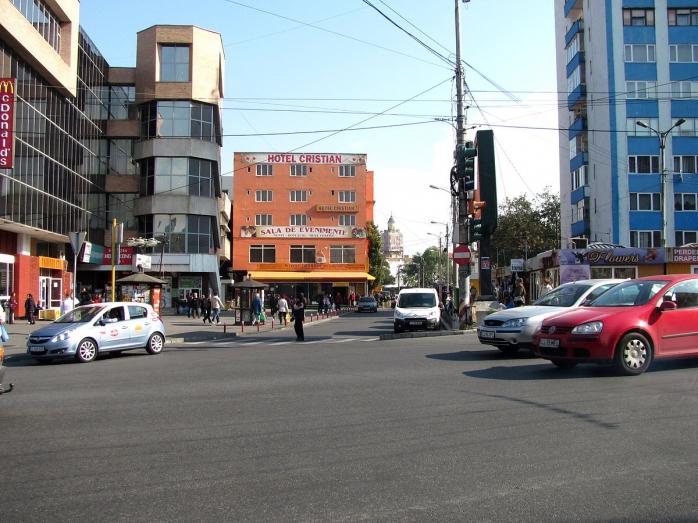 Hotelul Cristian din Piața Mihai Viteazu NU poate fi demolat