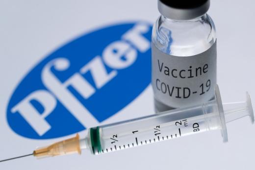 Se dă startul programărilor pentru imunizarea cu vaccinul Pfizer. Cine are prioritate?