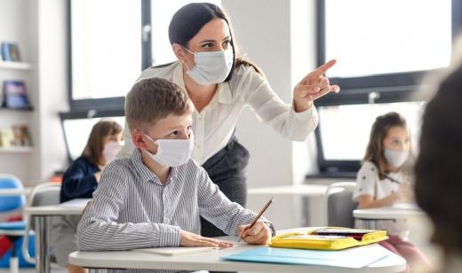 Educația în pandemie a suferit schimbări majore! 10% dintre profesori nu mai au motivație