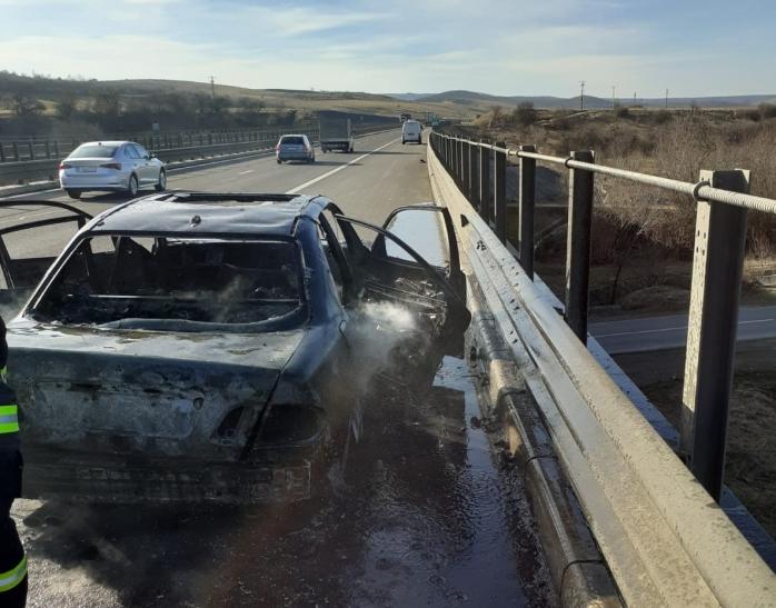 Mașină în flăcări pe Autostrada A3