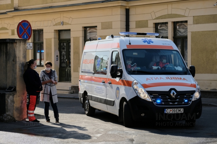 Un bărbat a căzut de pe acoperișul unui hotel din Cluj