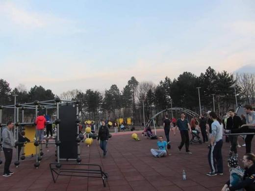 Clujenii au uitat de pandemie în acest weekend. Agolmerație în Baza Sportivă din Gheorgheni. Sursă foto