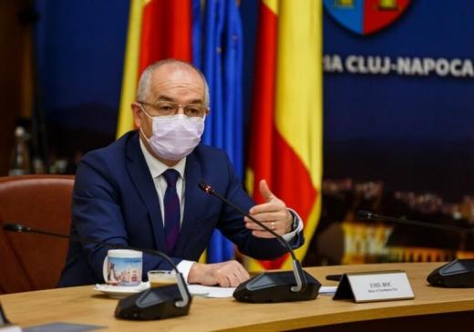 Primarii din România, în frunte cu Emil Boc cer Guvernului să asigure transportul gratuit al elevilor