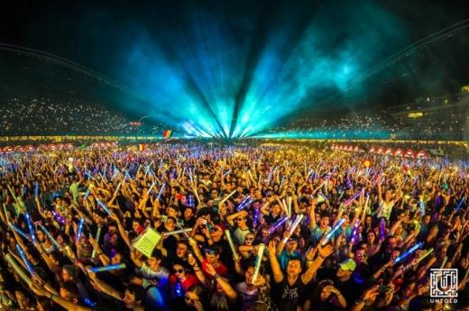 Românii vor să se vaccineze pentru a participa la festivaluri.