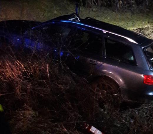 Accident în Cluj! O mașină a intrat în șanț