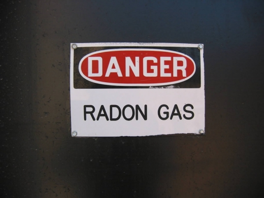 Un gaz radioactiv, a doua sursă pentru cancerul pulmonar. Cercetătorii clujeni au găsit soluția pentru oprirea lui