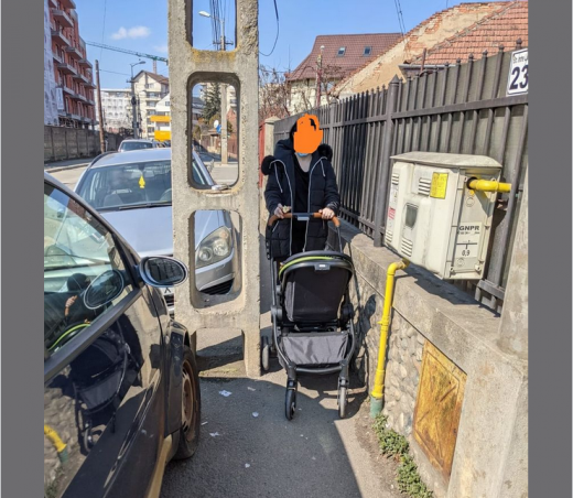 Părinții din Cluj vor eliberarea trotuarelor, înainte de metrou