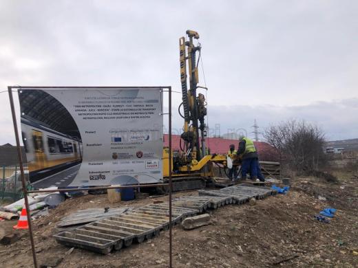 FOTO. Primele lucrări pentru metroul promis de Boc. Studii geotehnice și foraje la marginea Clujului