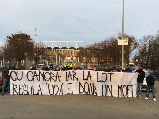 Mario Camora, contestat de fani înainte de meciul România - Macedonia de Nord
