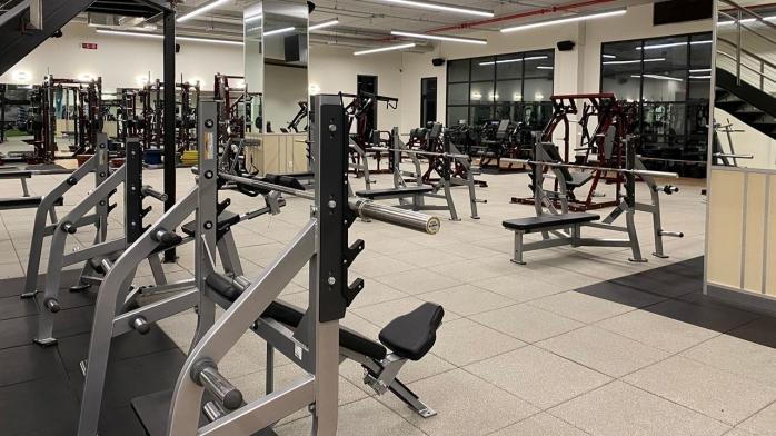Sălile de sport și fitness SE ÎNCHID în Cluj-Napoca! Clujenii vor face sport la bazele sportive sau acasă