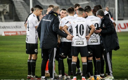 """Neputință! """"U"""" Cluj pierde cu Petrolul și se bate la retrogradare în finalul sezonului"""