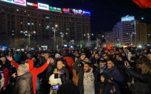 Val de proteste în țară împotriva noilor restricții! Românii cer demisia Guvernului. VIDEO/FOTO