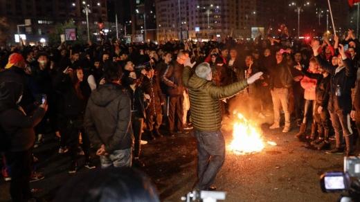 Proteste dure în toată țara. Ultrașii din galeriile de fotbal au creat haos în București și Craiova