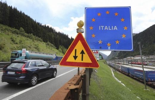 Se schimbă regulile la intrarea în Italia! Românii, obligați să prezinte teste COVID-19 negative