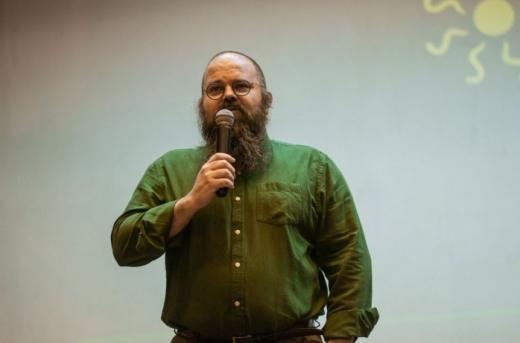 """Profesorul UBB Răzvan Cherecheș: """"Nu are rost să mai dezinfectăm suprafețele"""""""