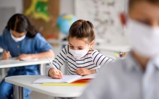 """Sub 2% din testele antigen puse la dispoziție în școli au fost folosite. Ministrul Cîmpeanu: """"Un insucces MAJOR"""""""