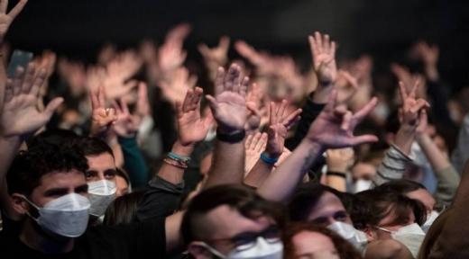 Evenimentele-experiment, organizate tot mai des. Clujul, primul oraș din țară care dorește organizarea unui concert-test.