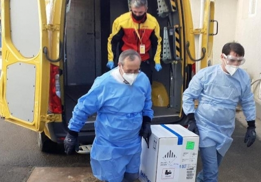 Tranșa de vaccin Pfizer care trebuie să ajungă la Cluj, întârzie.