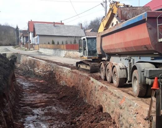 Începe demolarea podului din Văleni. Circulația va fi închisă