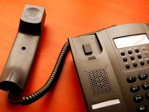 UBB a înființat o linie telefonică de suport pentru oamenii care au fost afectați de COVID