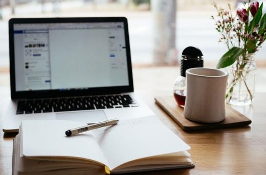 Elevii din clasele terminale încep astăzi cursurile în mediul online