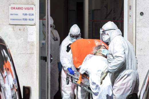 Situația este gravă la Cluj! Peste 70 de oameni infectați cu COVID au murit în ultima săptămână