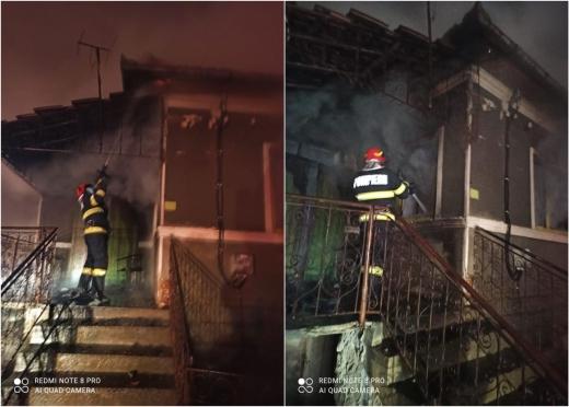 INCENDIU: O casă din Vâlcele, Cluj, cuprinsă de FLĂCĂRI. Un bărbat a ajuns la spital cu arsuri.
